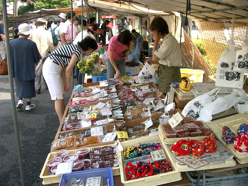 Morning Market (Miyagawa & Jinyamae)