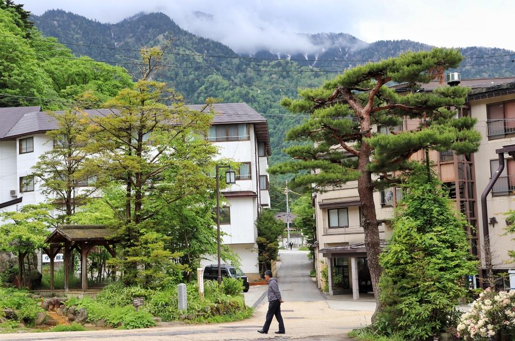 Okuhida Hot Springs-Hirayu
